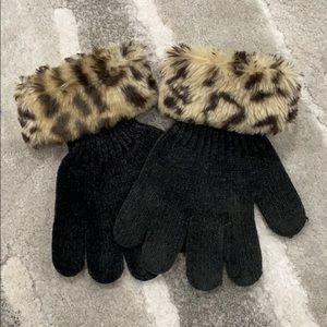 Other - Cheetah print gloves